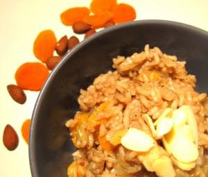 Orientalny ryż z morelami