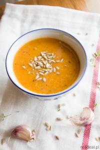Zupa z pieczonych pomidorów i cukinii