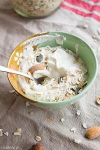 Surowy jogurt z nerkowców