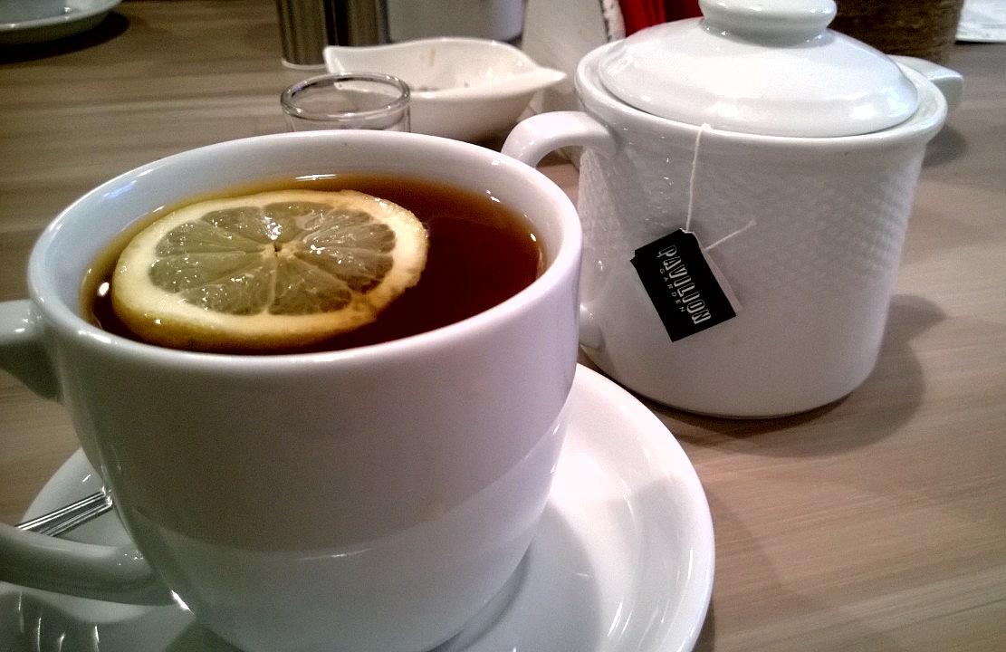 Pyszna herbata z syropem imbirowym