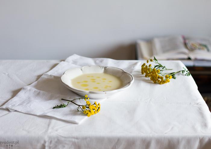 zupa kalafiorowa z oliwą borowikową