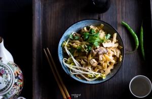 Wegański pad thai