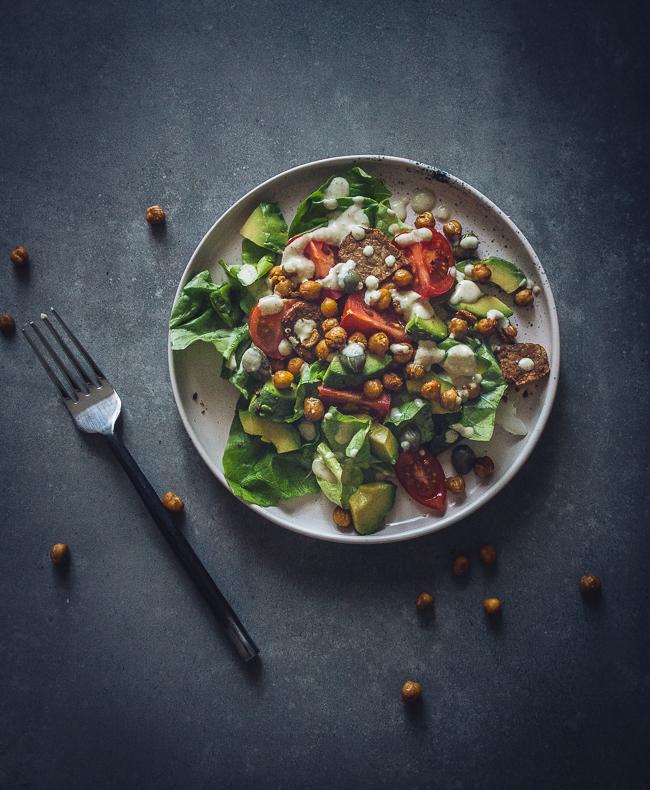 weganska sałatka cezar