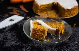 Ciasto marchewkowe z makiem i lukrem cytrynowym