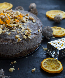 Raw vegan poppyseed cake for Christmas