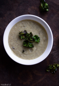 Jerusalem artichoke soup with kale chips