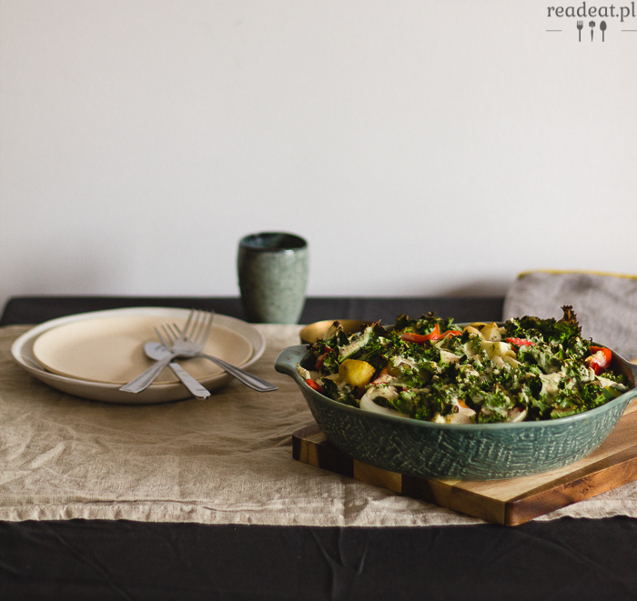 Kale casserole with potatoes and cashew sauce