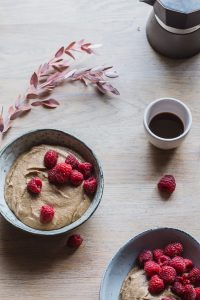 Raw buckwheat porridge with carob